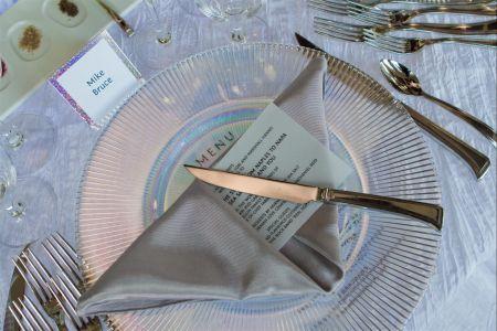 004_HannoGibbons_Dinner (2).jpg